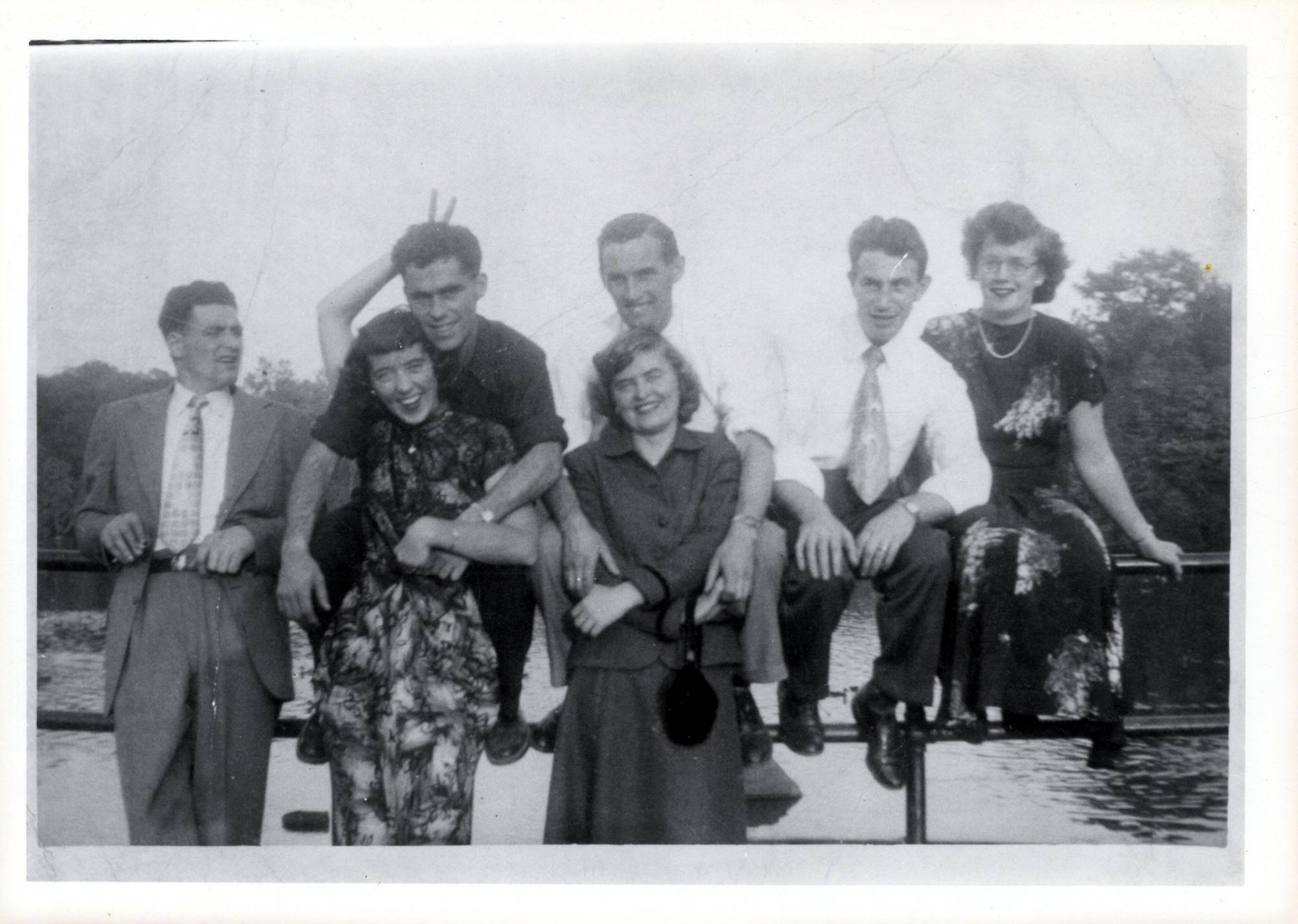 A group of Blasket Islanders and their friends in Springfield, Mass, during the late 1940s.